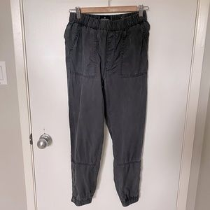 American Eagle Chambray Gray Button Cuff Joggers